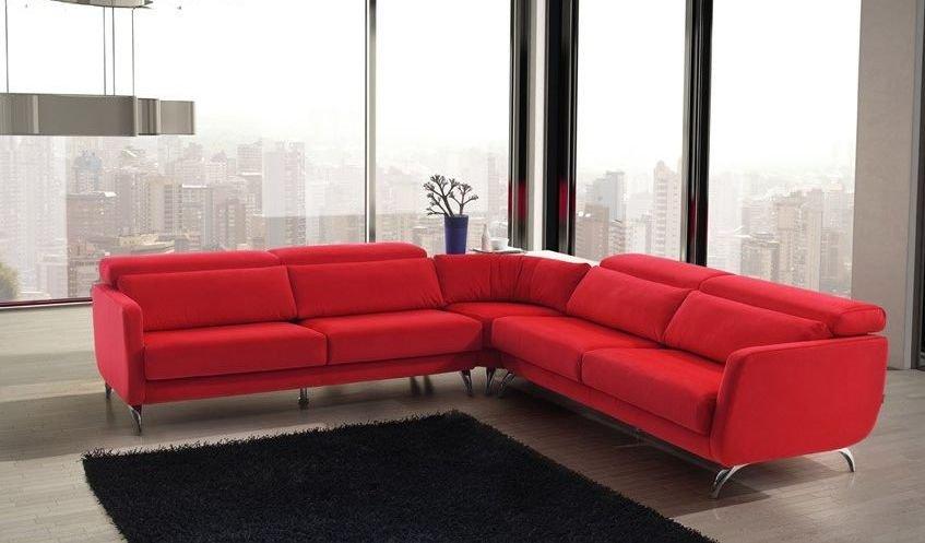 Sofá rinconera grande en tonos rojos
